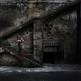 Esmeralda by Frank Quax - Digital Art People ( fantasy, stairs, creative, editing, dark, manipulation, photoshop )