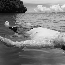 Proven! You don't need the Dead Sea to float :) by Gary Chin - People Body Parts