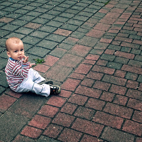 I see you by Delia Galhotra - Babies & Children Children Candids ( digiphotography, street, children, baby, boy, people, portrait, photography )