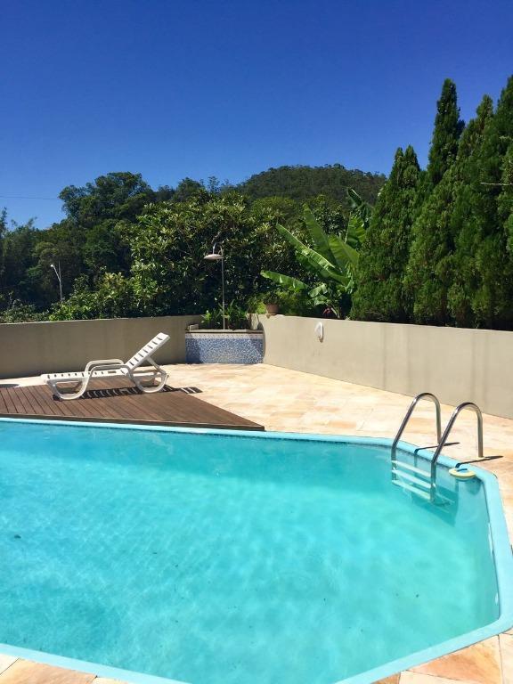 Imóvel: Casa 3 Dorm, Cacupé, Florianópolis (CA0413)