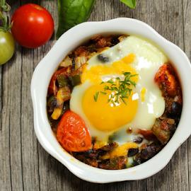 Breakfast eggs by Vrinda Mahesh - Food & Drink Plated Food ( baked eggs, eggs, beans, food, breakfast, tomatoes, overhead view )