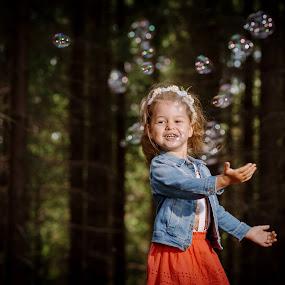 In the bubles by Klaudia Klu - Babies & Children Children Candids