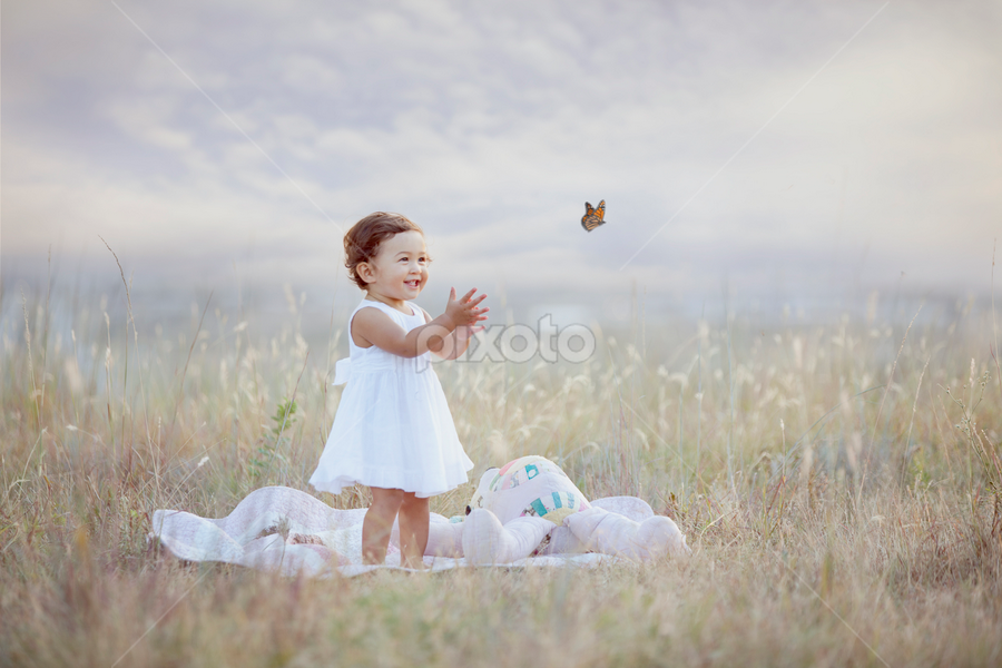 Yay Butterfles - Shawnessy Ransom Photography  by Shawnessy Ransom - Babies & Children Toddlers ( child, butterflies, ethereal, baby, toddler )
