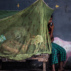 The scenario.. by ডাঃ মুহাম্মদ হাসান - City,  Street & Park  Street Scenes ( bangladesh, scenario, chobir hat, people, dhaka )