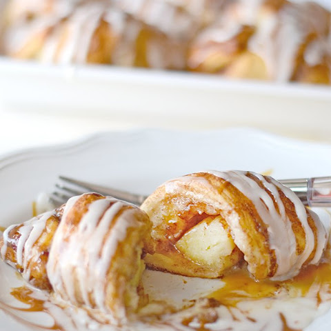 Caramel Apple Cinnamon Roll Ups! (Easy with only 3 Ingredients!)
