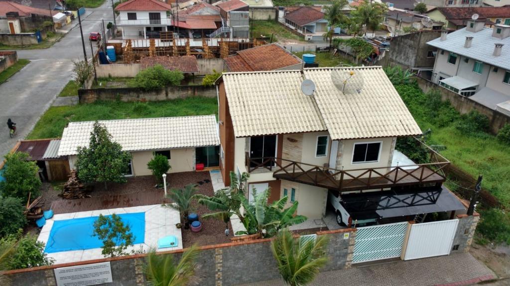 Casa com 3 dormitórios para alugar, 140 m² por R$ 3.300/mês - Perequê - Porto Belo/SC