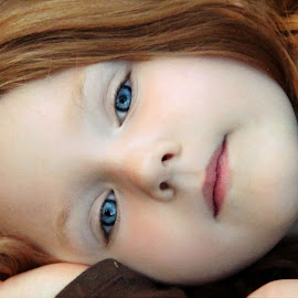 Close-Up by Cheryl Korotky - Babies & Children Child Portraits