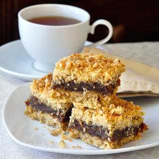 Newfoundland Date Crumbles