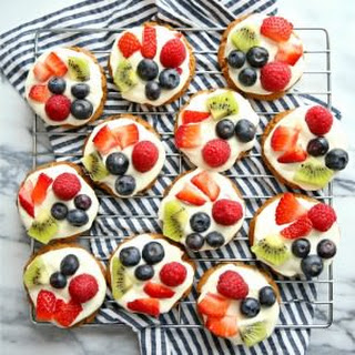 Mini Chocolate Chip Cookie Fruit Pizzas