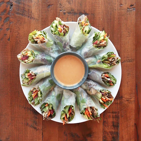 Vegetarian Summer Rolls With Tangy Peanut Dipping Sauce