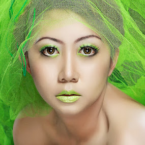 greenSOUL by Matt Buvvart - People Portraits of Women
