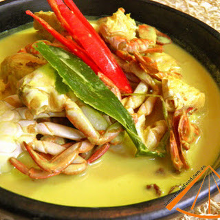Easy Vietnamese recipe Simmer Soft Shelled Crabs with Coconut fruit