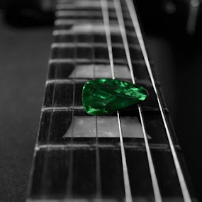 Guitar pick  by Ewan Allardice - Artistic Objects Musical Instruments