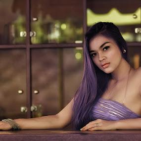 Don`t  Wory by Chandra Wirawan - People Portraits of Women