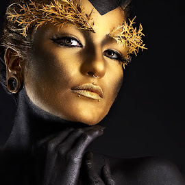 Golden Woman by Sandro Bischofberger - People Body Art/Tattoos ( girl, piercing, body art, bodypainting, portrait, black, golden )