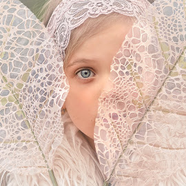 Enchanted by Lucia STA - Babies & Children Child Portraits