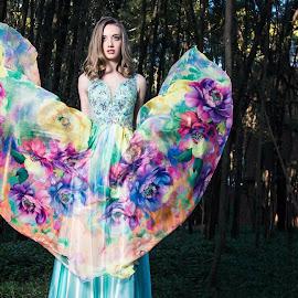 Floral heart by Gerrie van der Walt - People Fashion