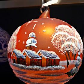 decoratiune glob colorat.JPG
