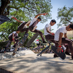 Volcom Heat by Reza Roedjito - Sports & Fitness Skateboarding