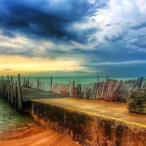 PIER BEAUTY by Louis Perlia - Landscapes Waterscapes ( water, clouds, sand, hdr, relax, beach, relaxing, sun, tranquil, fence, lake michigan, color, pier, weather, evanston, storms, tranquility )