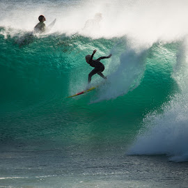 by Mark D Heath - Sports & Fitness Surfing