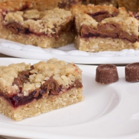 Caramel Raspberry Bars
