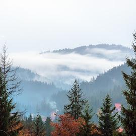 prin munți by Constantinescu Adrian Radu - Landscapes Cloud Formations
