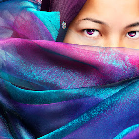 The Hijab by Dean Hakeem - People Portraits of Women