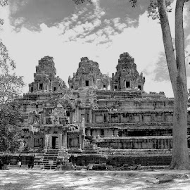Ankgor Watt #28 by Cal Brown - Black & White Buildings & Architecture ( siem reap, cambodia, heritage, angkor wat, travel photography, travel location, world, buildings, place of worship, temple, places of interest, black and white, architecture )