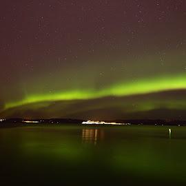 Northern lights by Roald Heirsaunet - Landscapes Starscapes