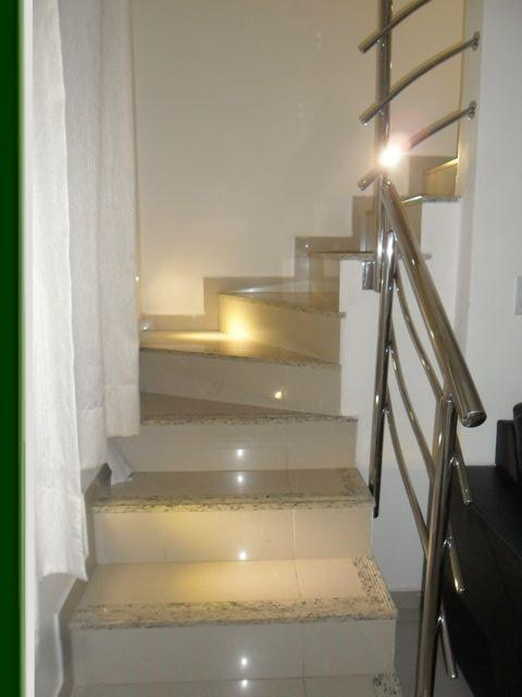 Casa de 3 dormitórios em Lagoa Redonda, Fortaleza - CE