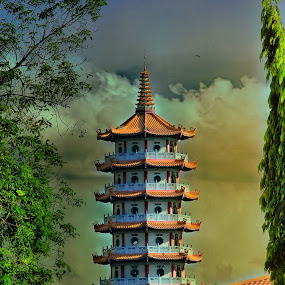 Tuaran's pagoda by Fabian Bee - Buildings & Architecture Places of Worship