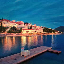 Neum by Dražen Pintar - Instagram & Mobile Android ( neum, sea night )