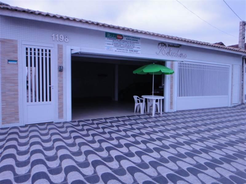 Casa de 2 dormitórios em Tude Bastos (Sítio Do Campo), Praia Grande - SP