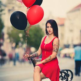 by Róbert Sulyok - People Street & Candids