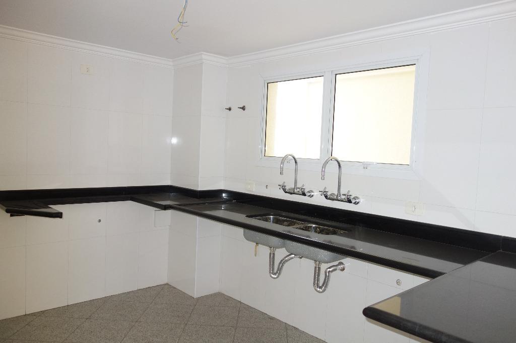 Sobrado de 4 dormitórios à venda em Brooklin Velho, São Paulo - SP