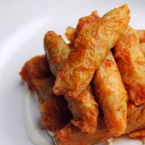 Malfouf (Cabbage Rolls)