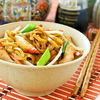 Stir Fried Noodles with Chicken and Crabsticks
