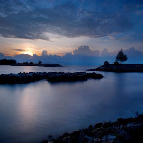 Jerudong beach by Mohamad Sa'at Haji Mokim - Landscapes Beaches