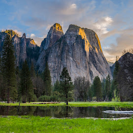 Yosemite Valley Sunset by Rob Darby - Landscapes Mountains & Hills ( mountains, reflection, national park, yosemite, sunset, meadow )