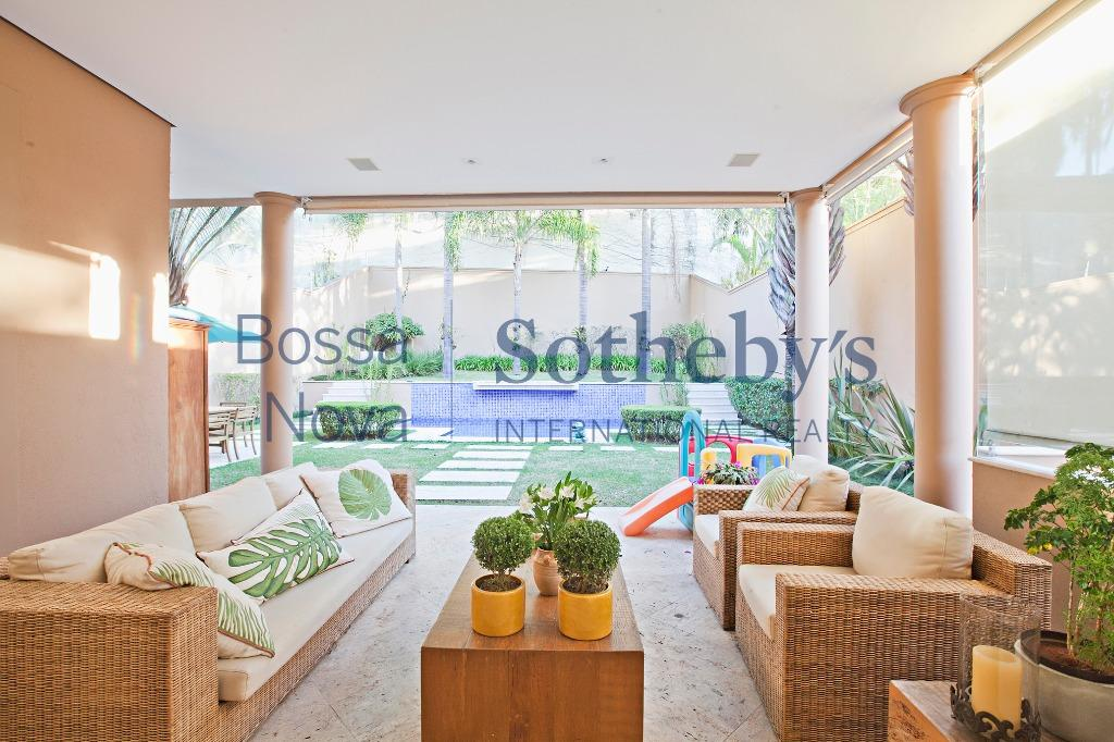 Casa diferenciada com projeto contemporâneo