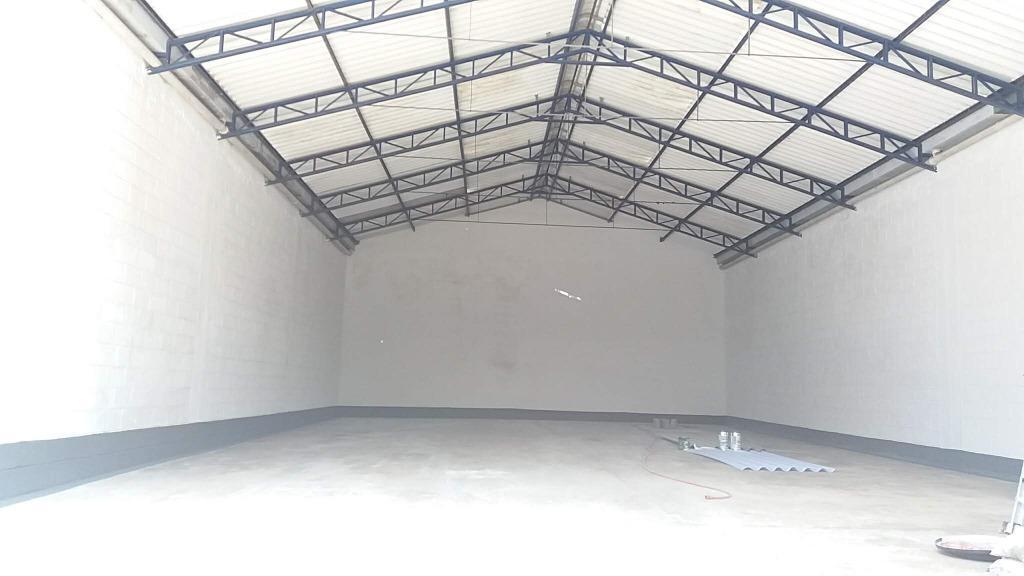 Galpão para alugar, 250 m² por R$ 5.000/mês - Vila Santa Catarina - São Paulo/SP
