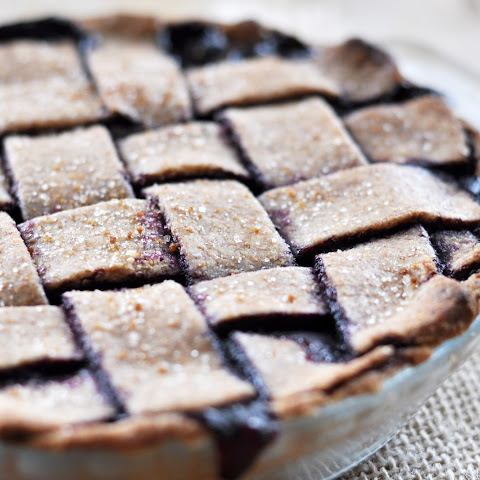 Vegan Blueberry Pie with Spelt Crust