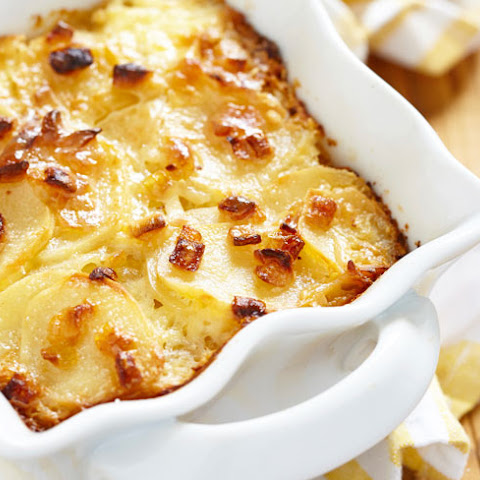 Oven-baked Creamy Wild Garlic And Cheese Potatoes
