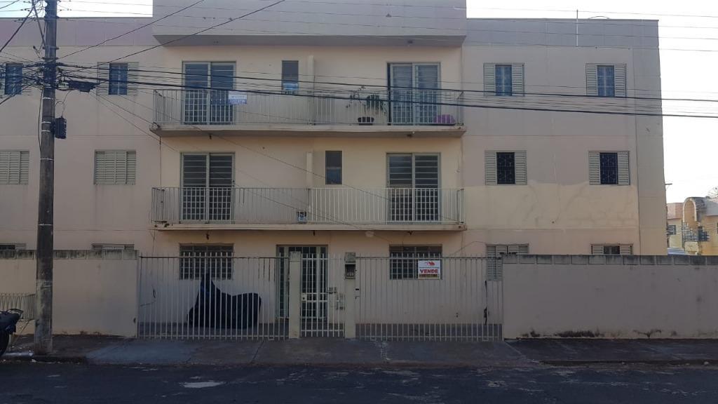 Apartamento com 3 dormitórios para alugar, 77 m² por R$ 600,00/mês - Olinda - Uberaba/MG