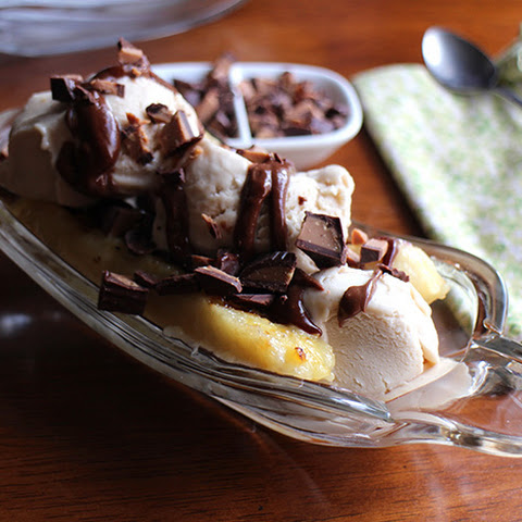 Grilled Banana Splits With Chocolate Peanut Butter Sauce