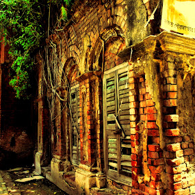 Heritage House by Jhilam Deb - Novices Only Objects & Still Life ( heritage house, old house, purono bari, calcutta, kolkata,  )