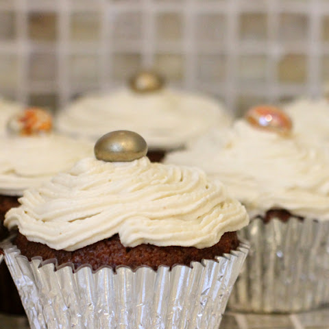 {Gluten-Free}Pumpkin Spice Cupcakes with Maple Buttercream Frosting