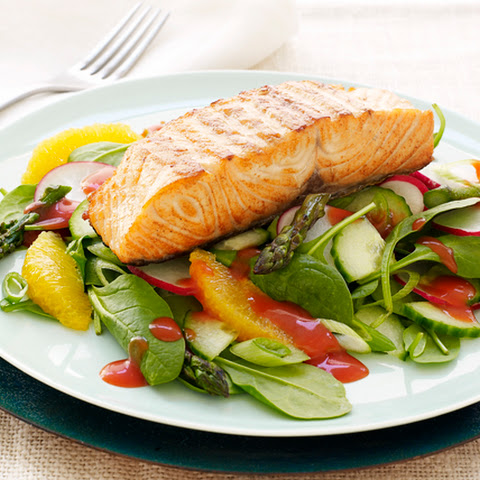 CATALINA Grilled Salmon Salad