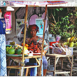 fruit seller in Ubud Bali by JOe Arian - People Professional People
